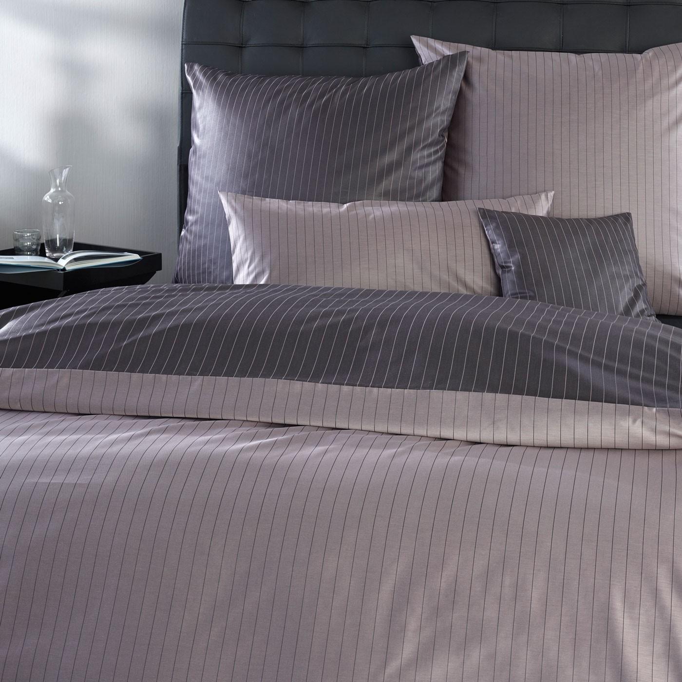 bettw sche curt bauer ferrara 2452 cassis. Black Bedroom Furniture Sets. Home Design Ideas