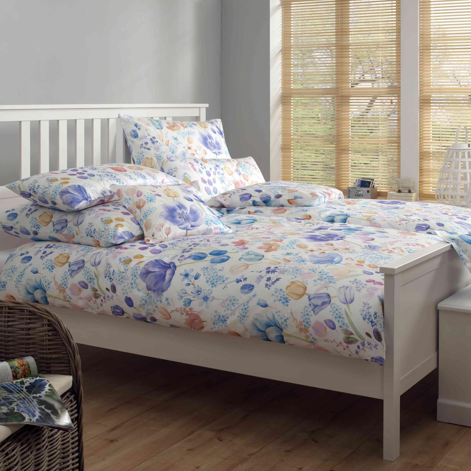 bettw sche elegante fleuri 2120 ciel. Black Bedroom Furniture Sets. Home Design Ideas